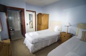 Kingfisher Twin Zip/Link Option Bedroom Showing En-Suite Wet Room