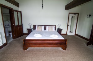 Kingfisher Sleigh Four Poster Bedroom