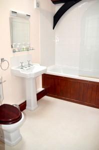 Kestrel En-Suite Shower Over Bath