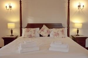 Kingfisher Four Poster Bed