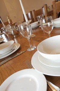 Kingfisher Set Dining Table